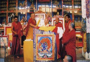 蓮生活佛盧勝彥於印度哲蚌寺登座說法
