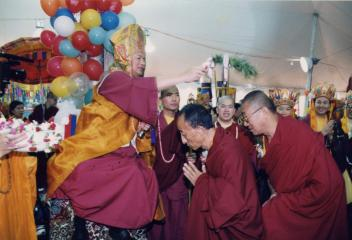 金美仁波切 Alak Jigme Thinley Lhundup Rinpoche、丹巴拉格西接受蓮生活佛灌頂
